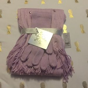 NWT Matching Rhinestoned Scarf and Gloves Set